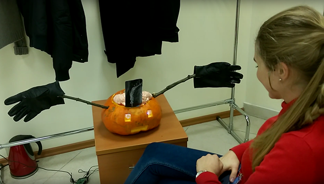 a-smart-pumpkin-chatbot-with-ibm-watson-and-raspberry-pi-v1