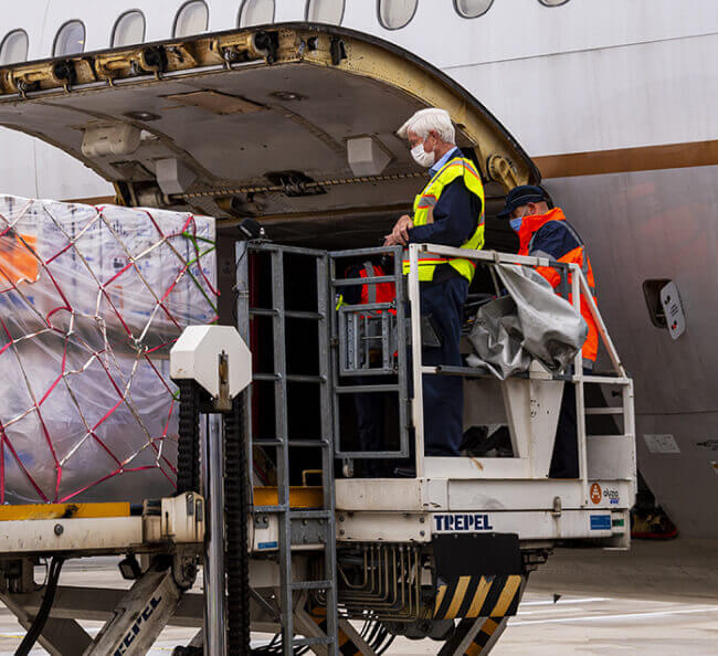 Building a Cold-Chain Delivery System for up to 10,000 Aircrafts